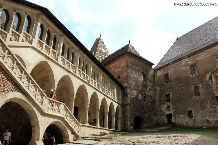 castelul-corvinilor-interior
