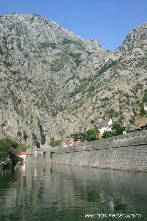 Golful Kotor Muntenegru